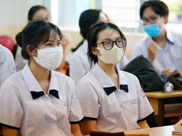 Cập nhật ngày 5/5: Đã có 11 tỉnh, thành thông báo khẩn cho học sinh nghỉ học vì dịch - Ảnh 1.