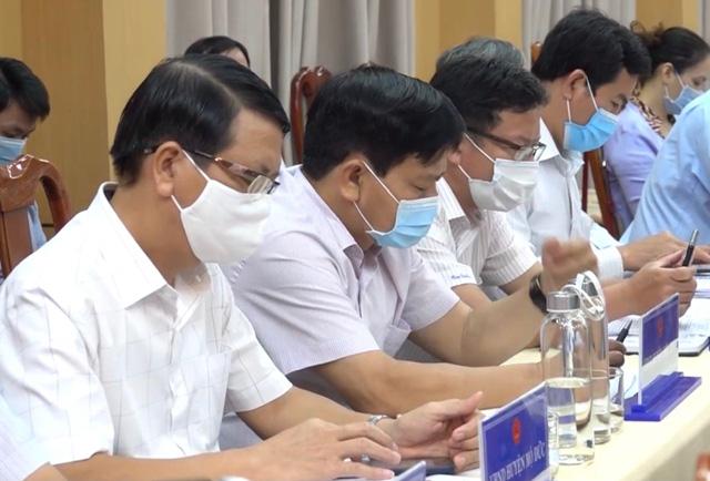 Quảng Ngãi: 2/8 cán bộ đi cùng chuyến bay Cần Thơ-Đà Nẵng âm tính lần 1 SARS-COV-2   - Ảnh 3.