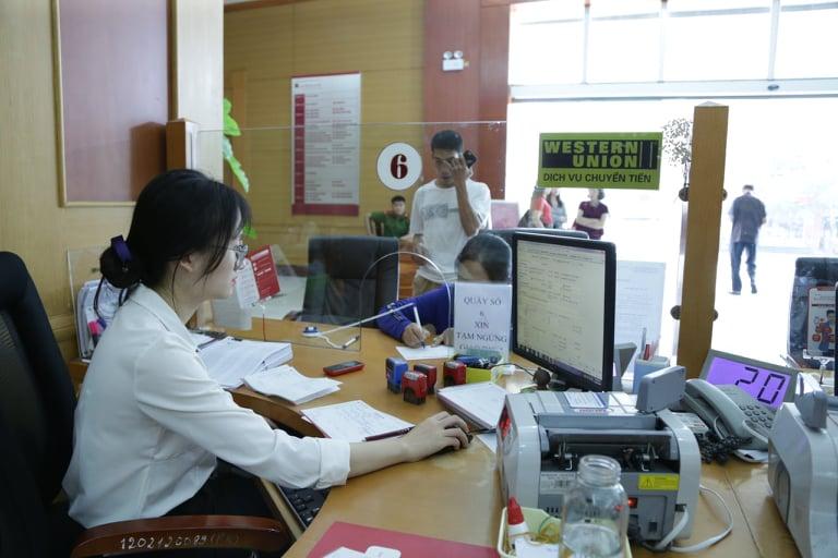 Phó Thống đốc Đào Minh Tú: Mạch máu dòng tiền vẫn diễn ra trôi chảy - Ảnh 3.