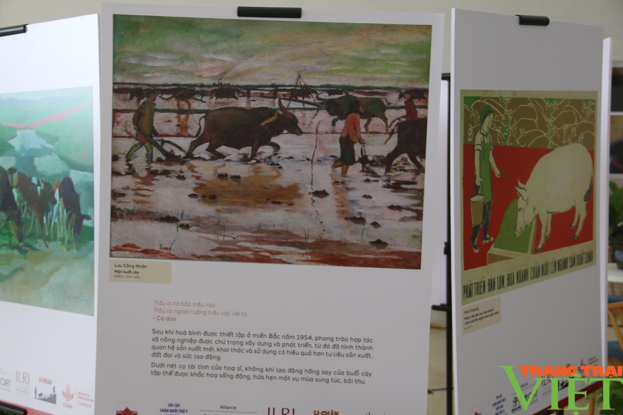 Khai mạc triển lãm chăn nuôi dưới góc nhìn của nghệ sĩ và nông dân  - Ảnh 2.