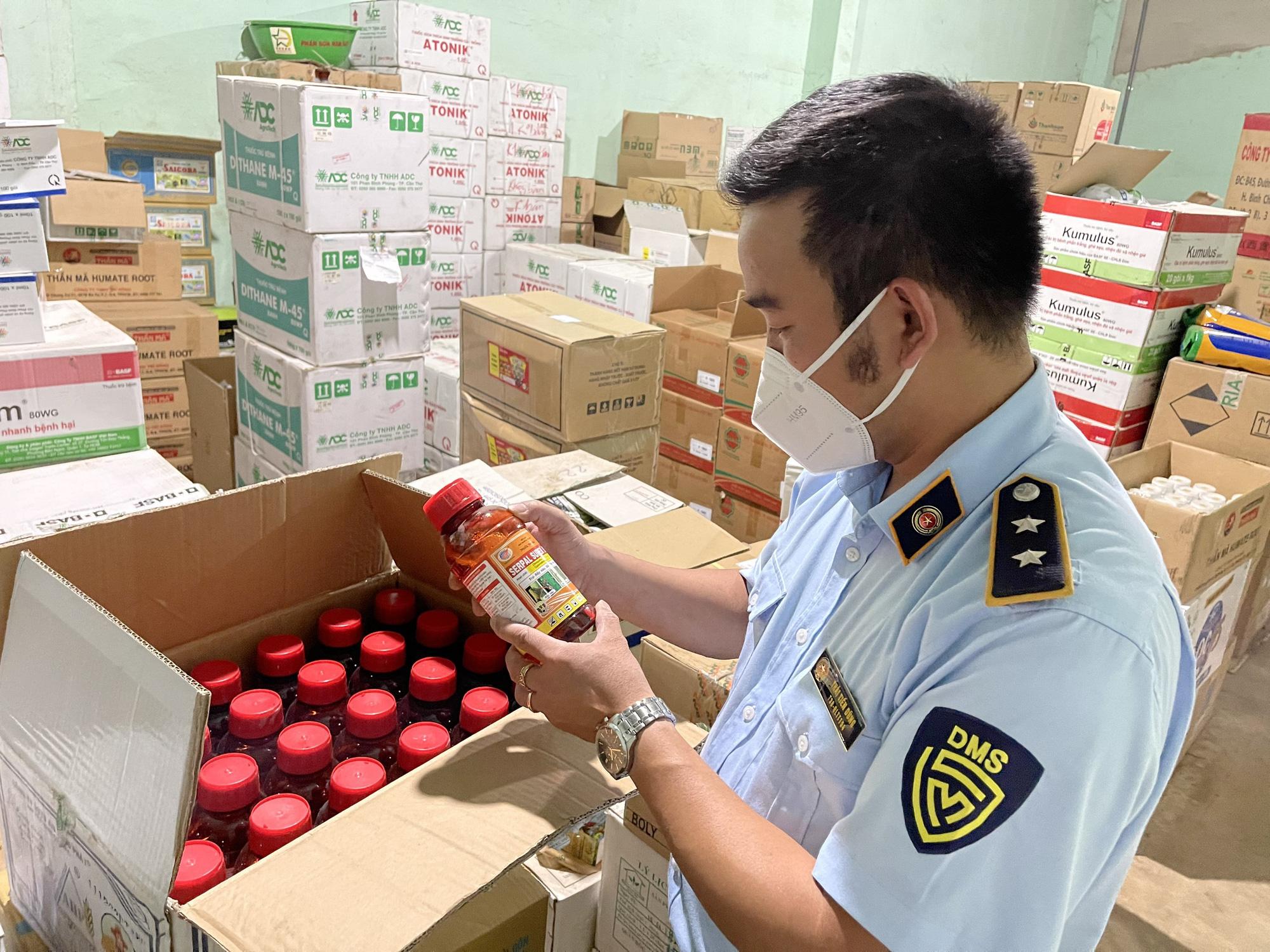 Tiếp tục phát hiện thuốc bảo vệ thực vật chứa hoạt chất cấm sử dụng tại Việt Nam ở Gia Lai - Ảnh 1.