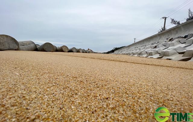 Quảng Ngãi: Hàng trăm hộ dân Sa Huỳnh không còn lo bị sóng cuốn nhà ra biển  - Ảnh 6.