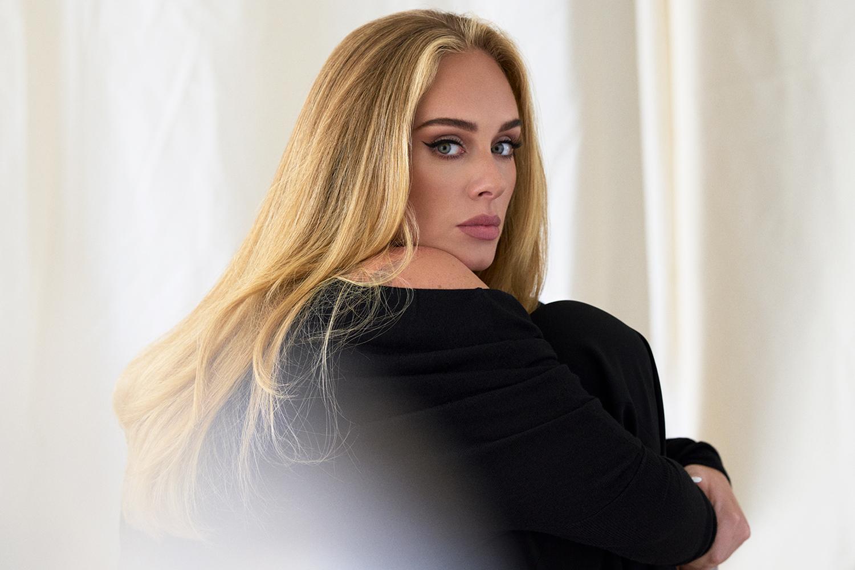 """""""Easy on Me"""" của Adele đạt 20 triệu lượt xem sau 10 tiếng ra mắt - Ảnh 2."""