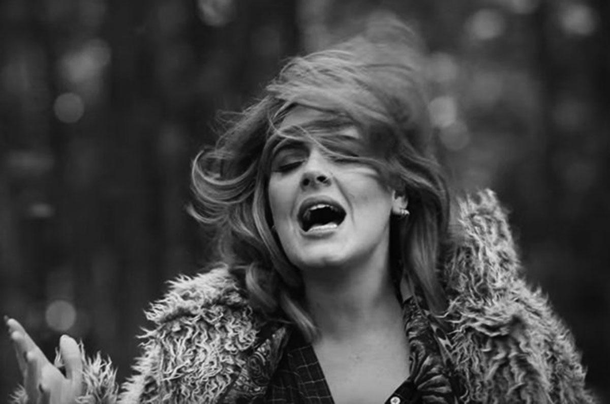 """""""Easy on Me"""" của Adele đạt 20 triệu lượt xem sau 10 tiếng ra mắt - Ảnh 3."""