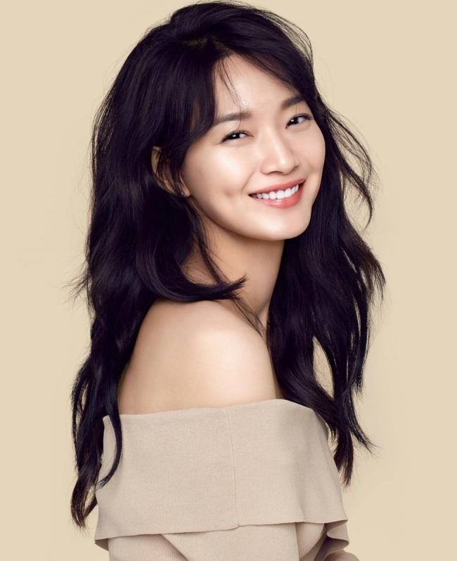 Chuyện tình đẹp như ngôn tình của diễn viên Shin Min Ah và bạn trai kém tuổi bị ung thư - Ảnh 1.