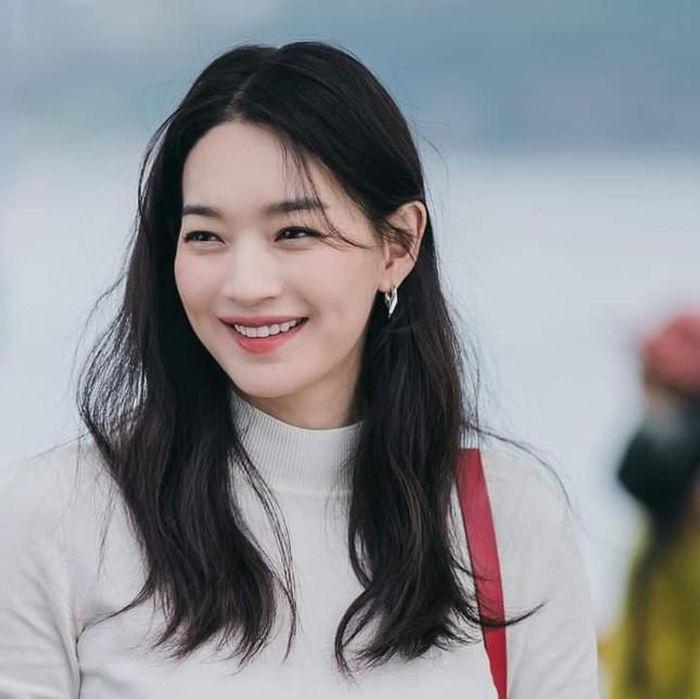Chuyện tình đẹp như ngôn tình của diễn viên Shin Min Ah và bạn trai kém tuổi bị ung thư - Ảnh 4.