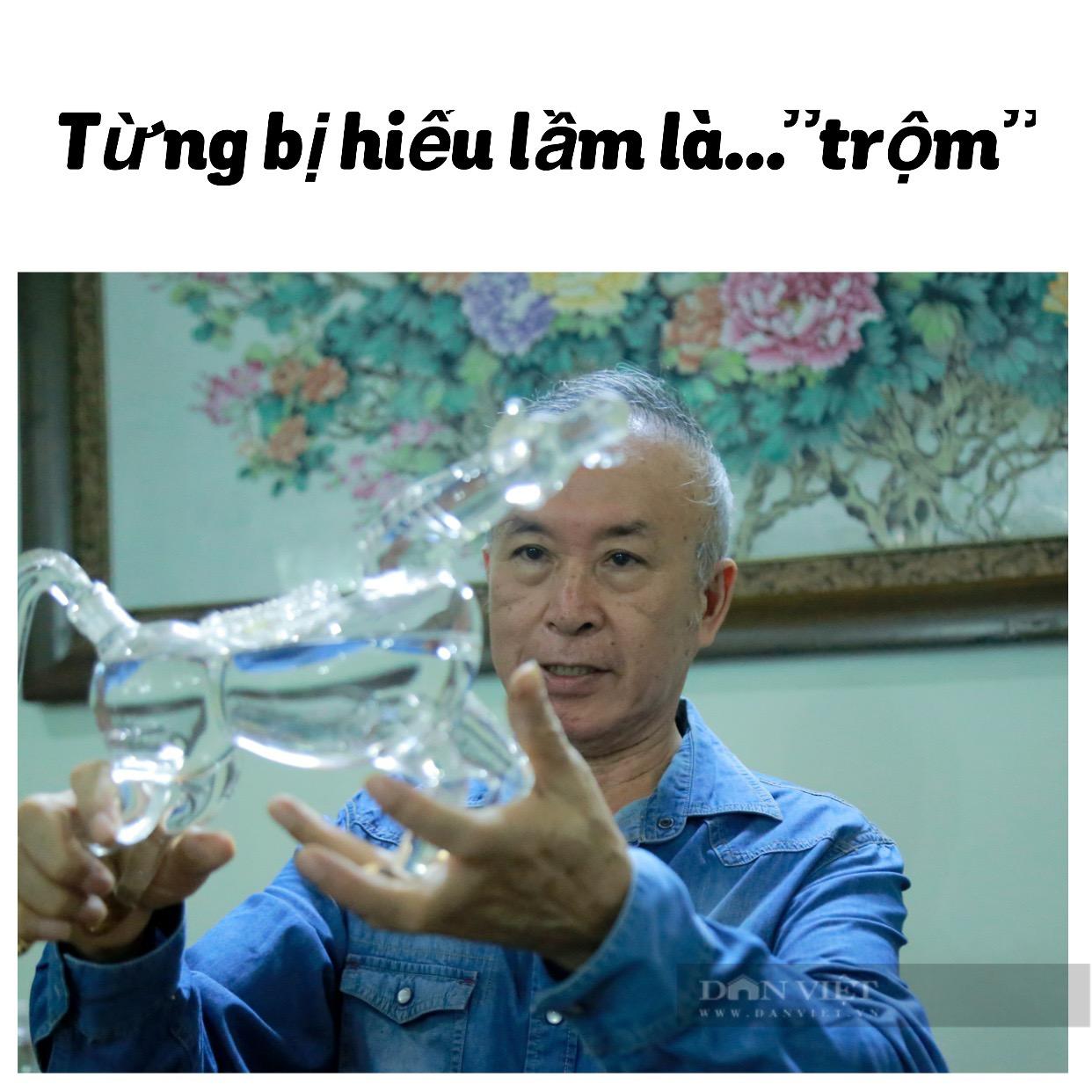 """Nhà ngoại giao dành nhiều tháng lương """"nướng"""" vào thú sưu tầm vỏ chai rượu hình thù độc nhất Việt Nam - Ảnh 9."""