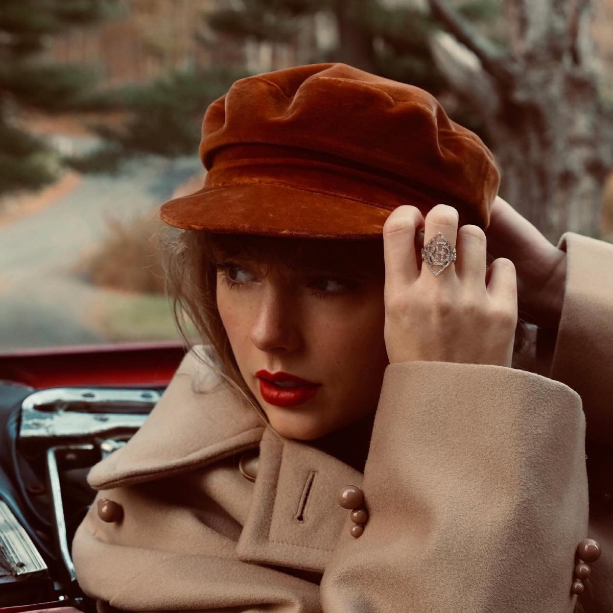 Adele, Taylor Swift, Lady Gaga ra album: Nữ giới thống trị làng nhạc cuối năm - Ảnh 2.