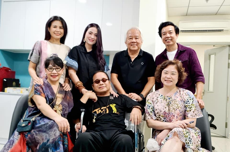 Nghệ sĩ saxophone Trần Mạnh Tuấn cùng nhạc sĩ Trần Tiến song tấu trong bệnh viện - Ảnh 2.