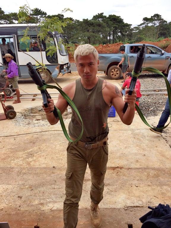 Diễn viên tiết lộ súng trên phim Việt phần nhiều gần với súng thật - Ảnh 4.