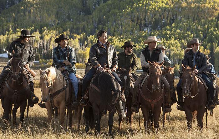 """Mỹ: Bất chấp Covid-19, Vườn Quốc gia Yellowstone vẫn lập kỷ lục đón 1 triệu khách du lịch/tháng """"trái mùa"""" - Ảnh 9."""
