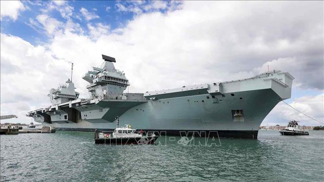 Việt Nam lên tiếng khi tàu hải quân Anh, New Zealand cùng tiến vào Biển Đông