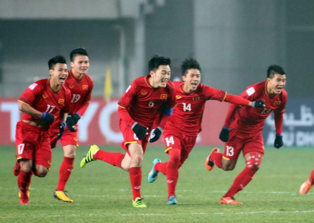 bong da viet2 1633586615088 16335866159721809178399 ĐT Việt Nam sẽ có một trận đấu ra trò trước ĐT Trung Quốc