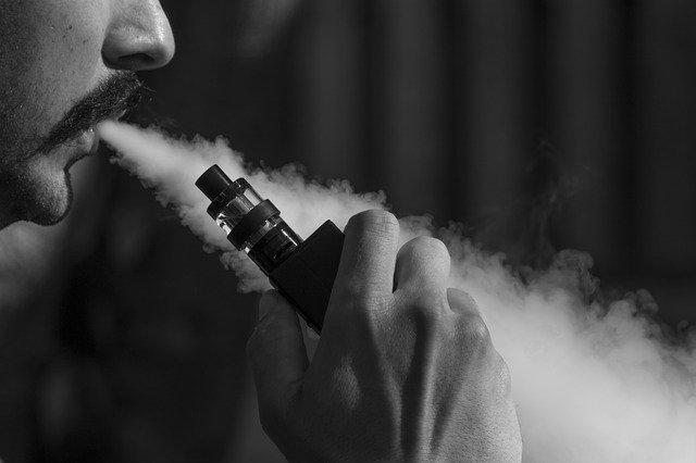 Hôn mê do hút thuốc lá điện tử, cảnh báo cạm bẫy nguy hiểm dành cho giới trẻ
