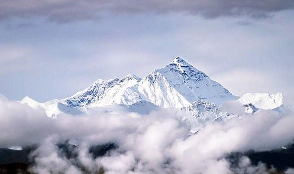 Hóa thạch biển được tìm thấy trên đỉnh Everest có thể là bằng chứng của Đại hồng thủy - Ảnh 3.