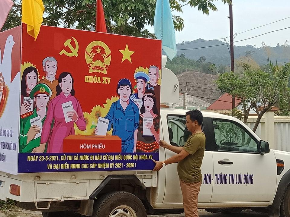 Quảng Nam: Huyện biên giới Tây Giang đẩy mạnh công tác tuyên truyền cho ngày bầu cử - Ảnh 2.