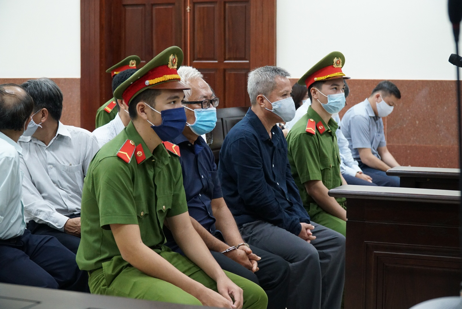 Bất ngờ với lý do hoãn xét xử đại án Ngân hàng Đông Á - Ảnh 1.