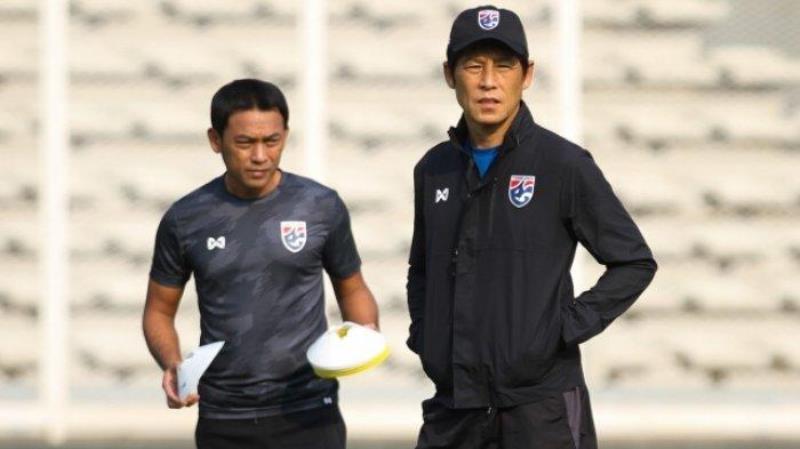 """Tin sáng (11/5): HLV Nishino """"đi đêm"""" để cầu thủ Thái Lan được về ĐTQG? - Ảnh 1."""