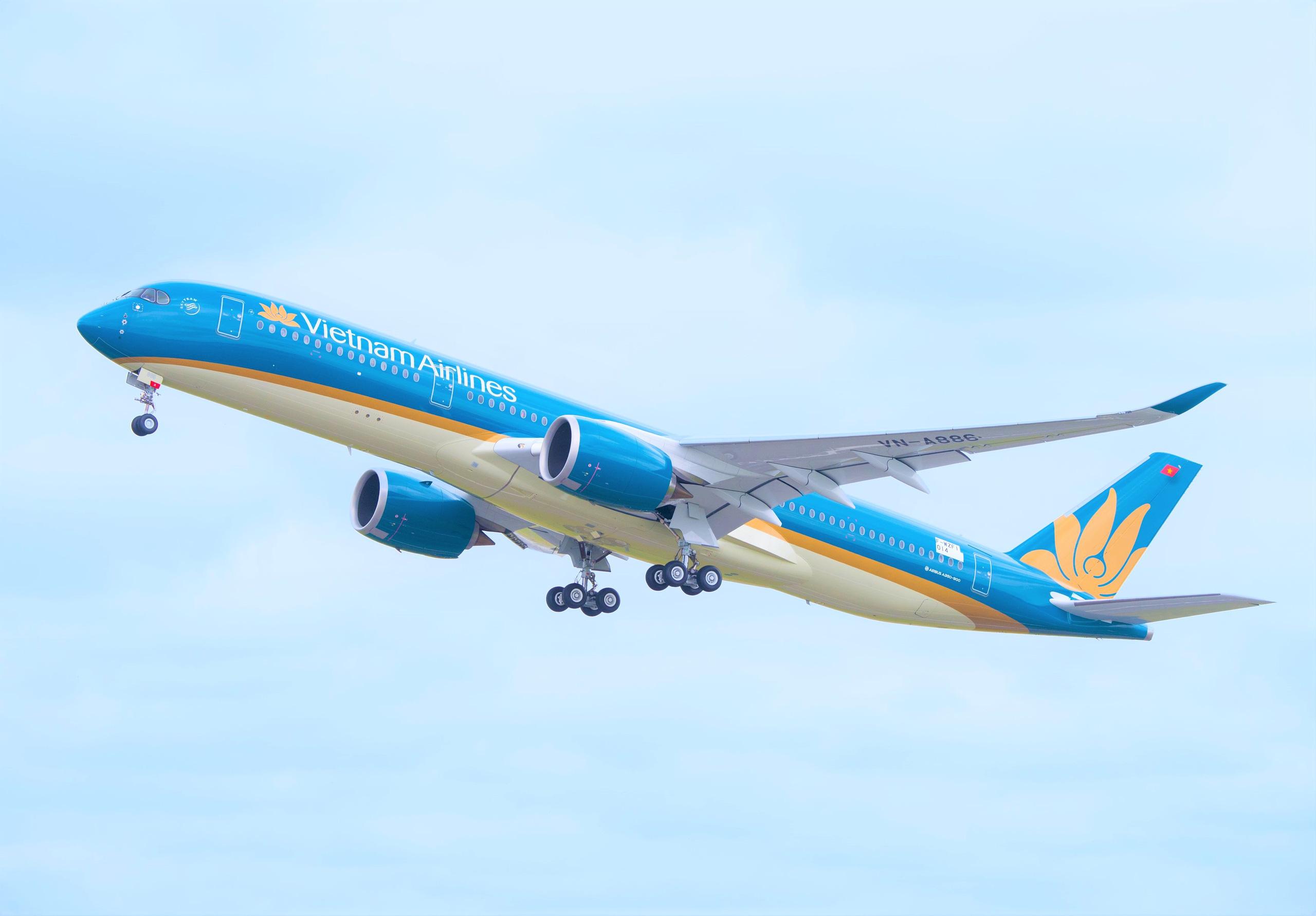 """Vietcombank đăng ký """"rót"""" tiền mua 8,35 triệu cổ phiếu Vietnam Airlines  - Ảnh 1."""