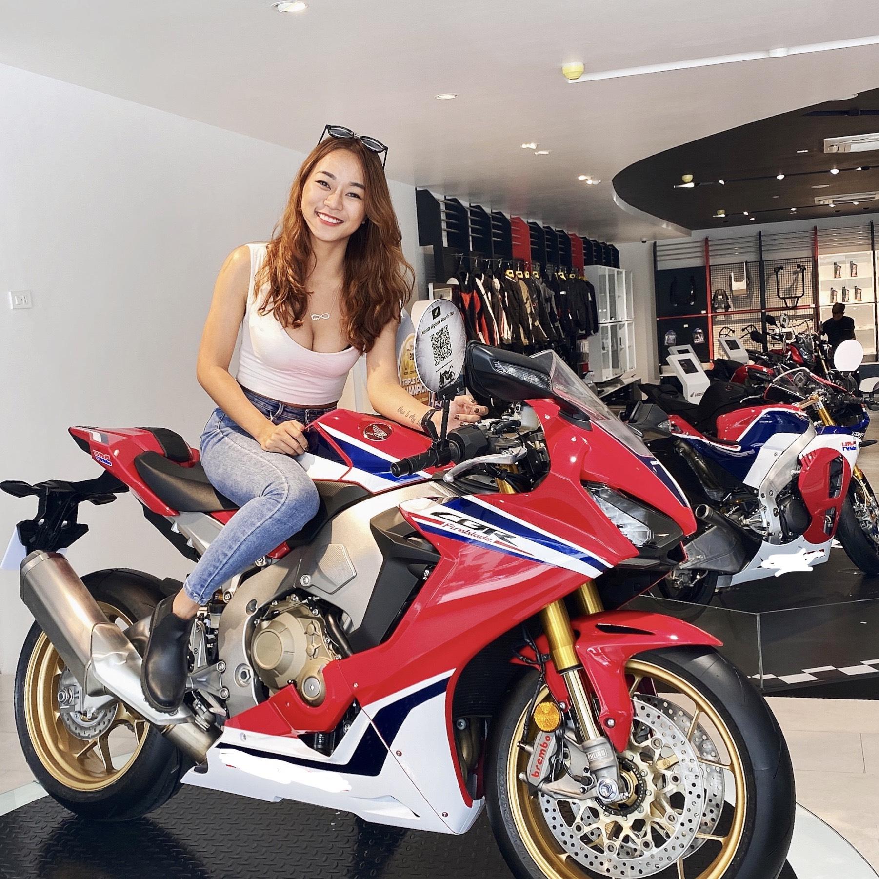 Nữ biker Diễm Trần xinh đẹp hớp hồn cánh mày râu, lại đa tài hiếm có - Ảnh 9.