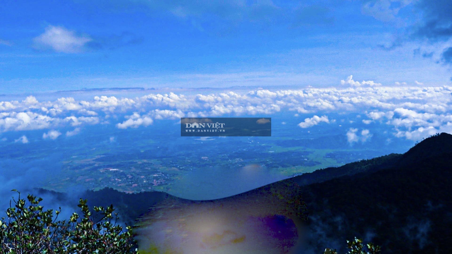 """Săn mây trên đỉnh Chư Yang Lắk – """"Vườn"""" mây tuyệt đẹp giữa Tây Nguyên - Ảnh 16."""