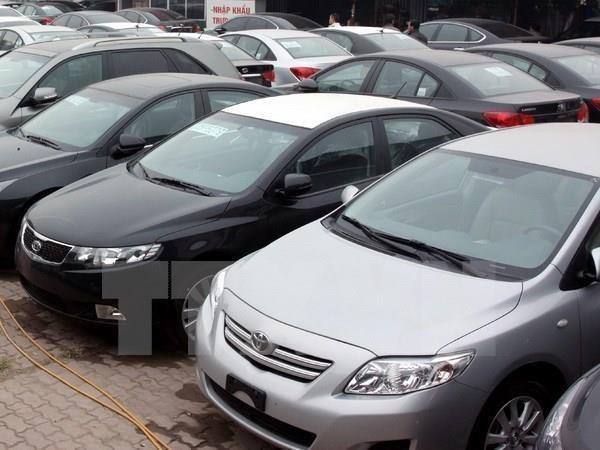 Bộ Tài chính không đồng ý giảm mức thu lệ phí trước bạ đối với xe ôtô - Ảnh 1.