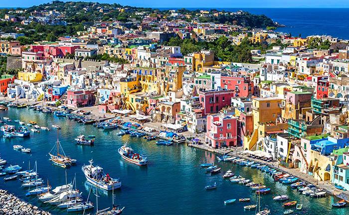 """Italia: Đảo sắc màu Procida chờ đón du khách khám phá bí mật """"viên ngọc ẩn"""" - Ảnh 1."""