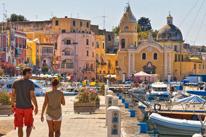 """Italia: Đảo sắc màu Procida chờ đón du khách khám phá bí mật """"viên ngọc ẩn"""" - Ảnh 2."""