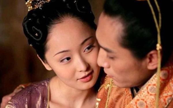 Hoàng đế say rượu thị tẩm nhầm người, nhà Hán tồn tại thêm gần 200 năm - Ảnh 1.