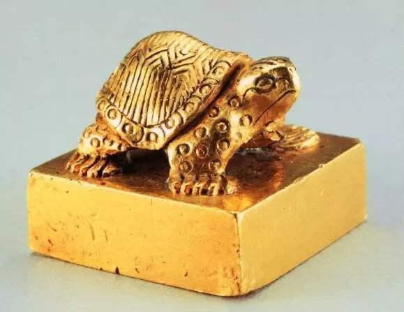 Ngư dân nhặt được cổ vật lấy hơn 1 triệu đồng, ai dè là siêu bảo vật quý hiếm giá 700 tỷ đồng - Ảnh 2.