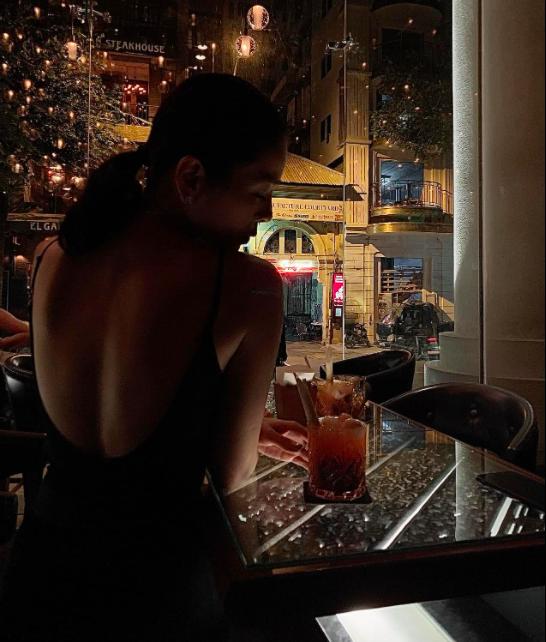 """Sao Việt 11/5: Nhan sắc quyến rũ của Ngọc Trinh khi diện đồ """"nửa kín nửa hở"""" ở tuổi 32  - Ảnh 13."""