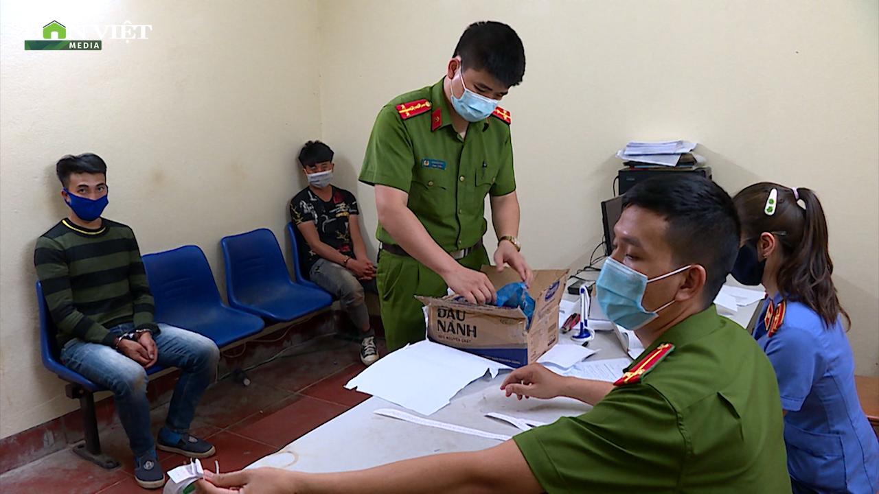 Sơn La: Tóm ngon 2 thanh niên dân tộc mua ma túy để bán kiếm lời - Ảnh 2.