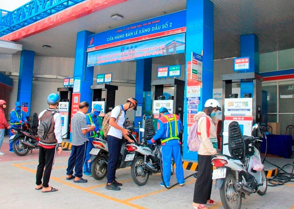 Giá xăng dầu lại đồng loạt tăng, chưa thấy điểm dừng - Ảnh 1.