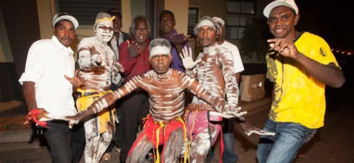 Vùng đất thiêng Arnhem Land của thổ dân Yolngu lọt Top 10 điểm đến du lịch Australia tuyệt vời nhất - Ảnh 9.
