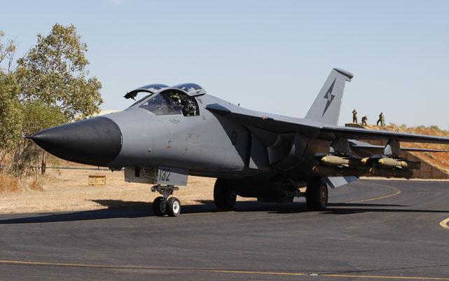 """""""Mãnh thú ném bom"""" F-111 Mỹ bị chôn vùi gây sốc ở Australia - Ảnh 13."""