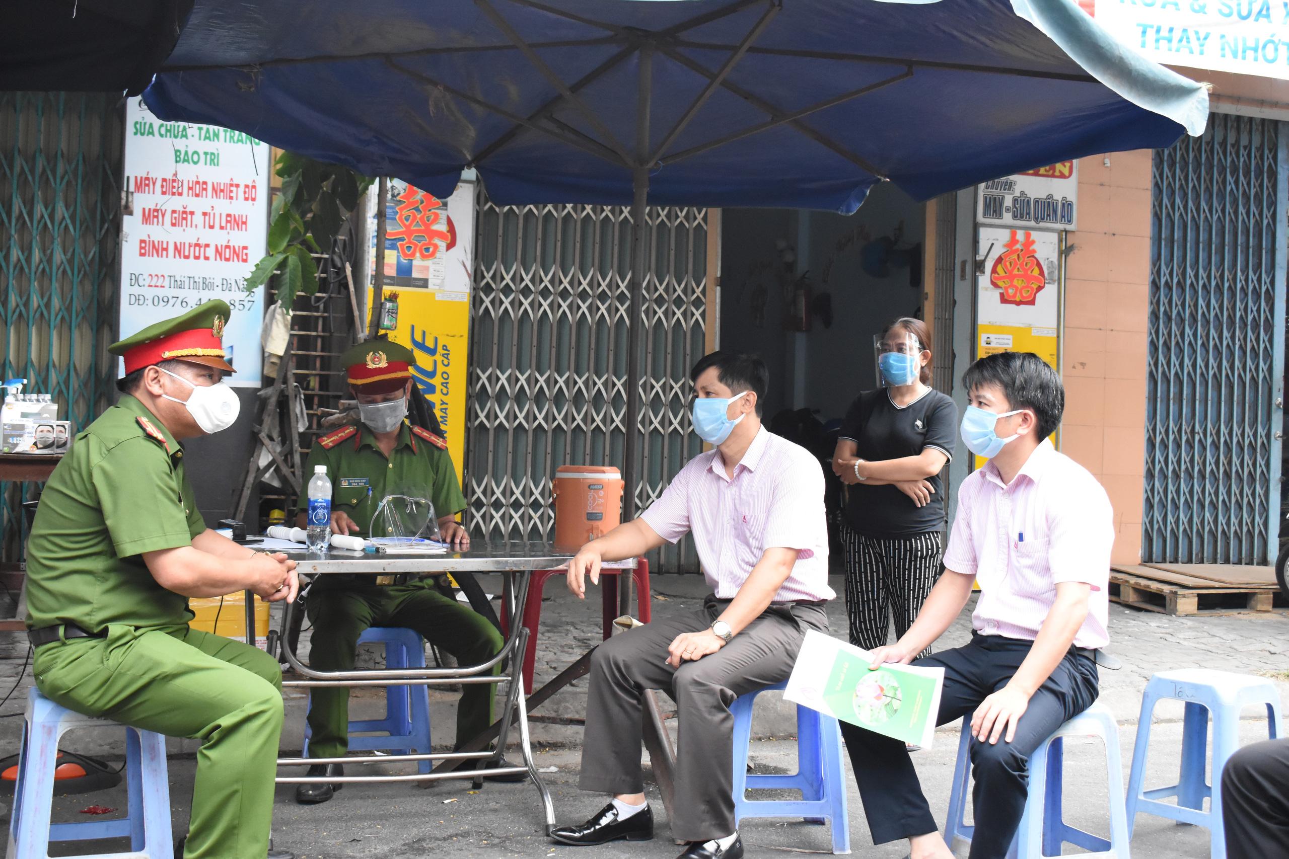 Đà Nẵng: Ngân hàng Chính sách xã hội tiếp sức cho các đơn vị tuyến đầu phòng chống dịch Covid-19 - Ảnh 3.