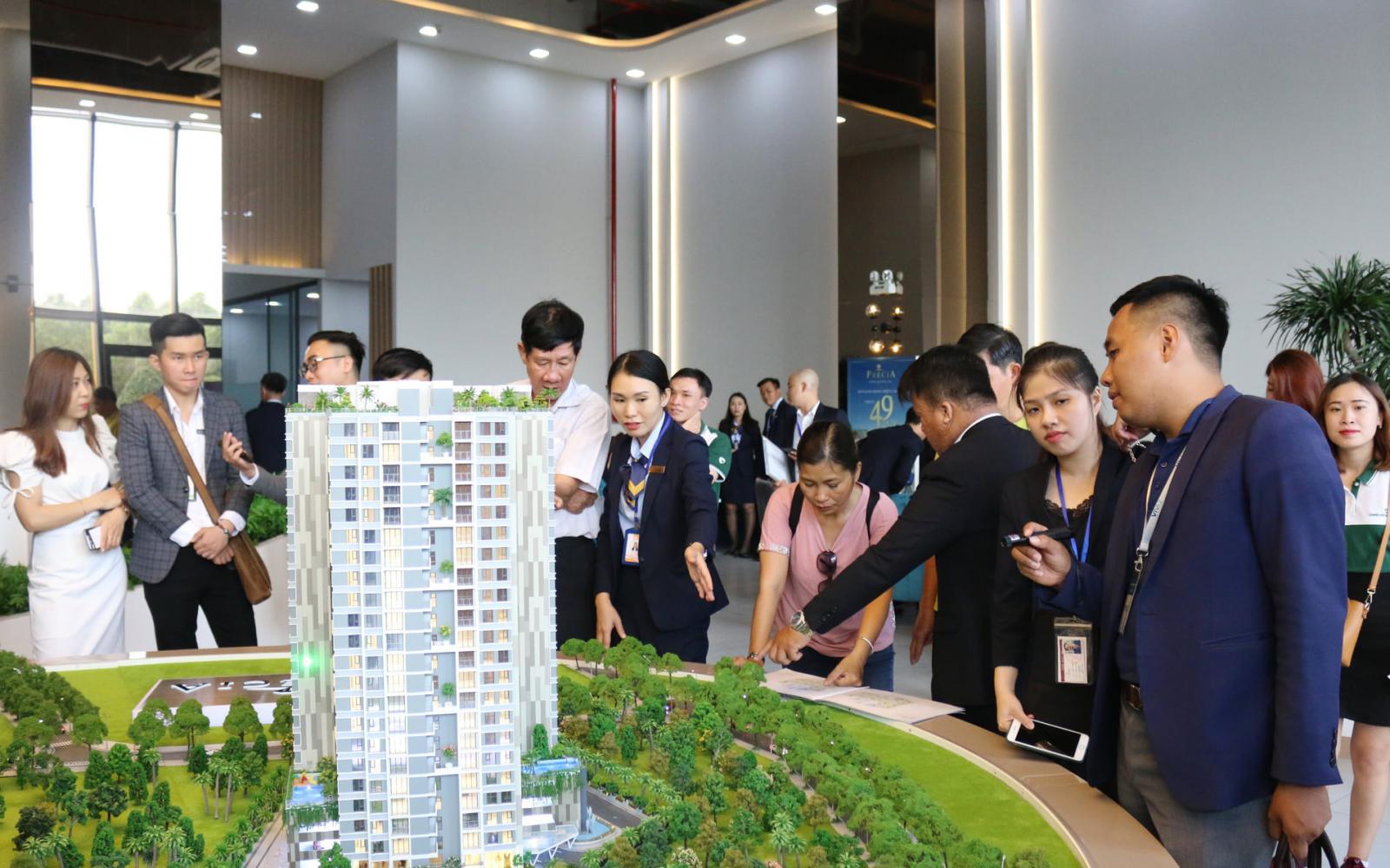 TP.HCM: Giải quyết vướng mắc cho 61 dự án bất động sản, bao giờ ?