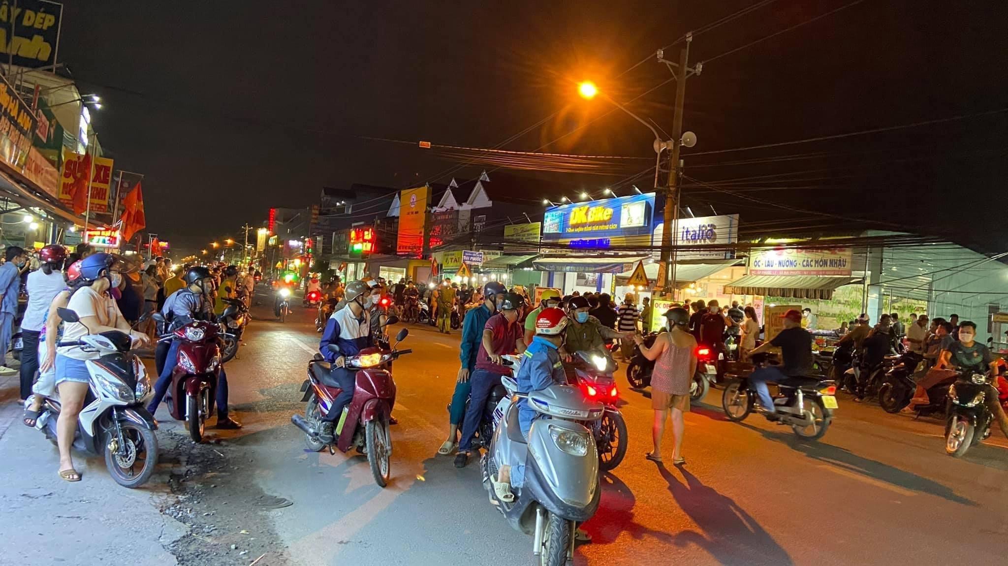 Án mạng kinh hoàng ở Đồng Nai, 2 người bị đâm gục - Ảnh 3.