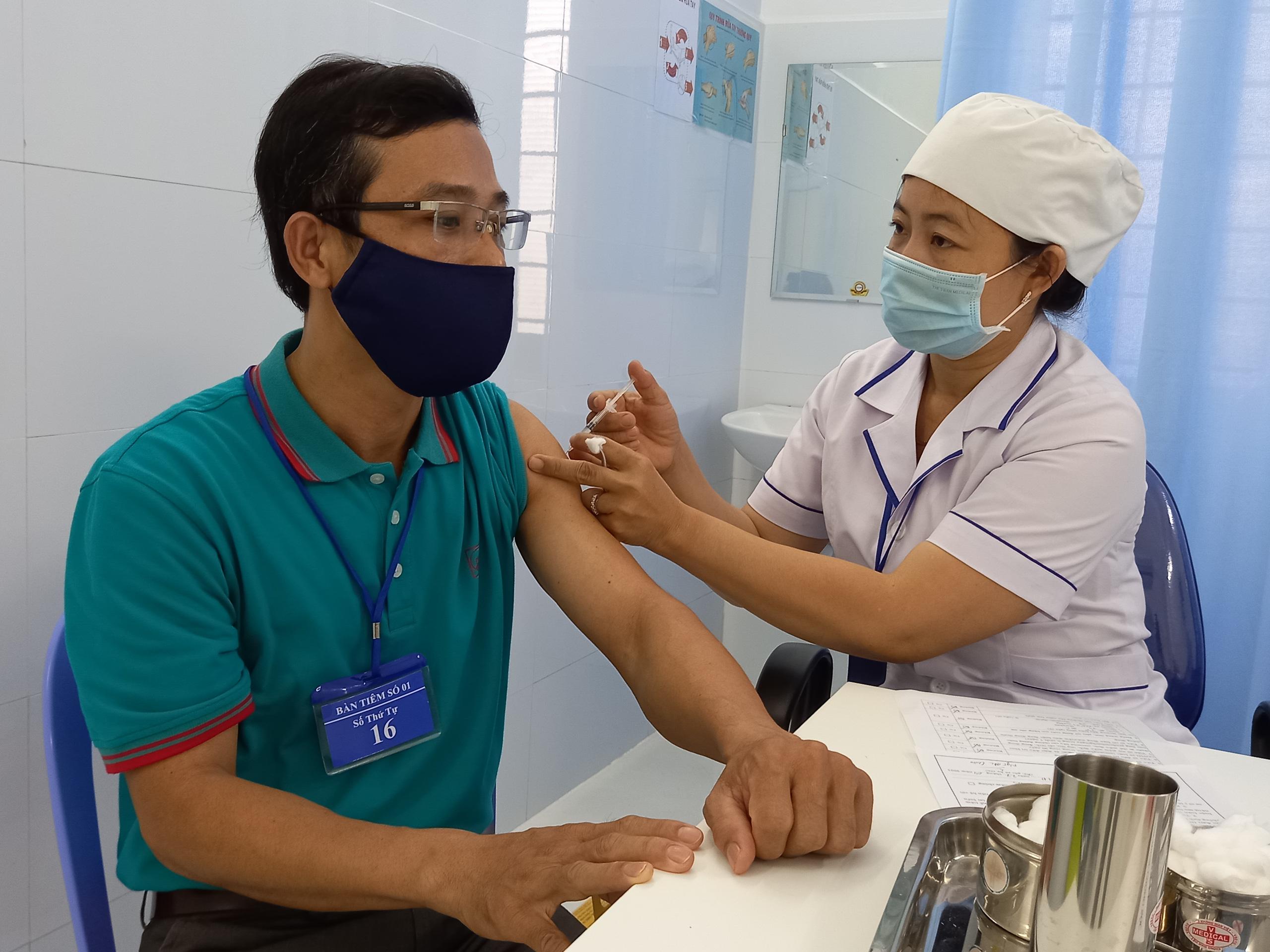 Phú Yên được phép khẳng định các trường hợp SARS-CoV-2 dương tính - Ảnh 2.