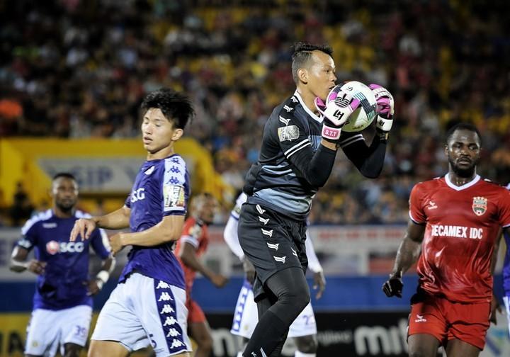 Vì sao 4 thủ môn thủng lưới nhiều nhất V.League được lên ĐT Việt Nam? - Ảnh 3.
