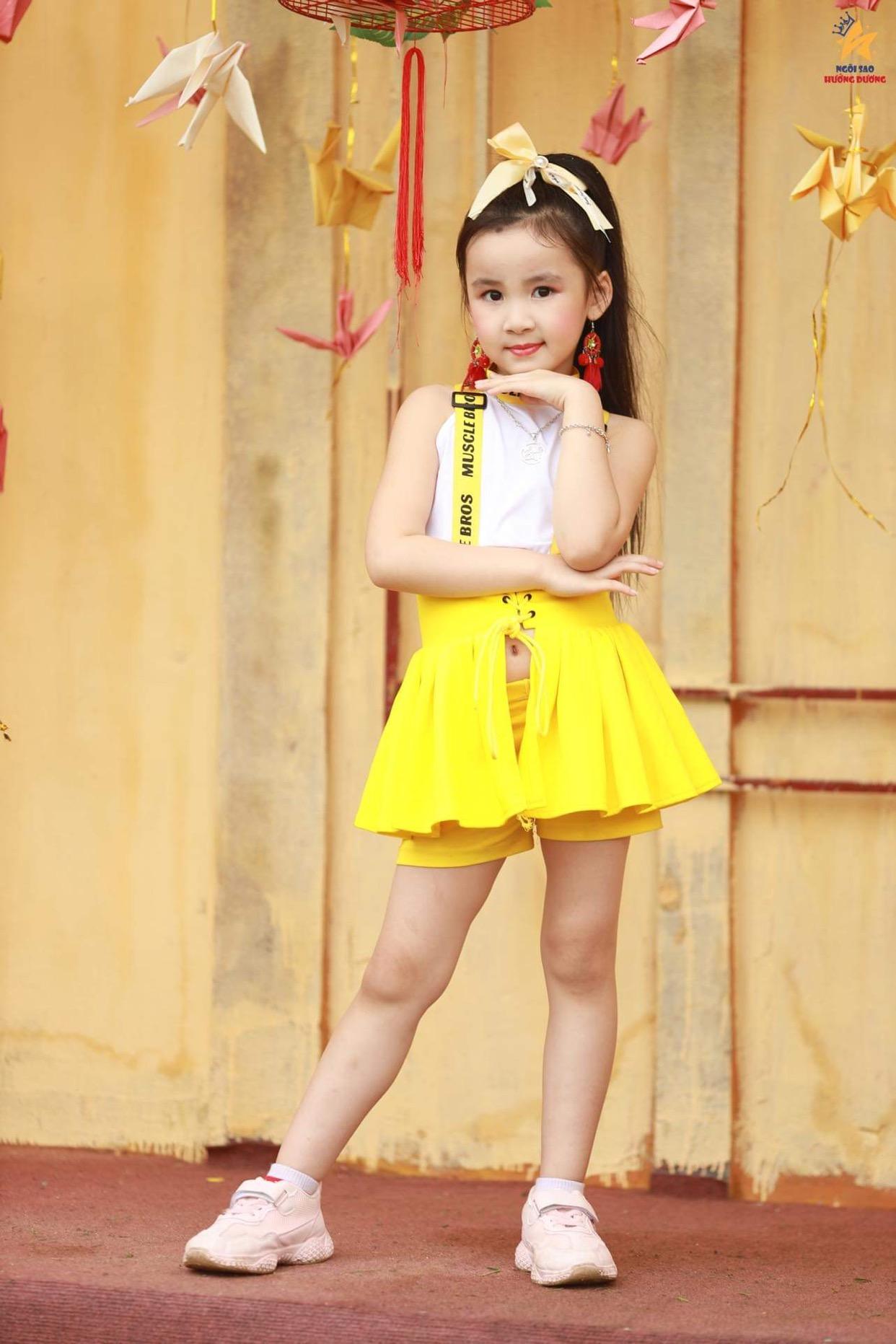 Những bạn nhỏ đáng yêu trong làng thời trang Việt - Ảnh 2.
