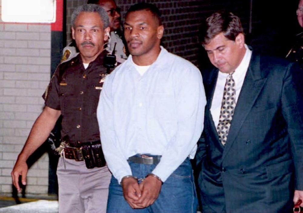 Mike Tyson: 13 tuổi, tham dự 150 cuộc chiến đường phố, 38 lần bị bắt - Ảnh 1.