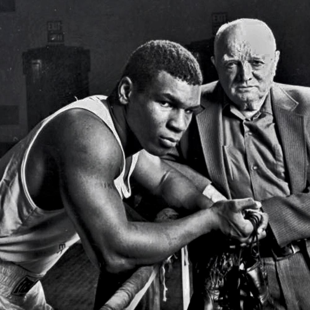 Mike Tyson: 13 tuổi, tham dự 150 cuộc chiến đường phố, 38 lần bị bắt - Ảnh 2.