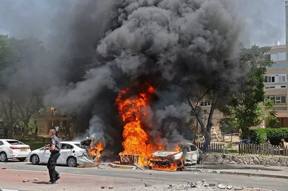 Israel cảnh báo ớn lạnh sau đòn sấm sét vào Gaza giết thủ lĩnh hàng đầu của Hamas  - Ảnh 3.