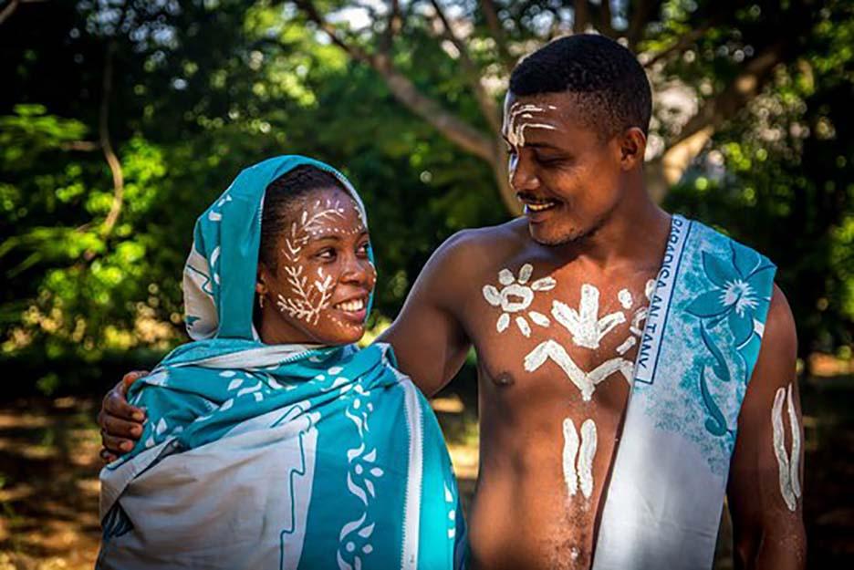 Độc đáo với tục lệ vẽ mặt của phụ nữ bộ tộc ở phía Tây và Nam Madagascar - Ảnh 4.