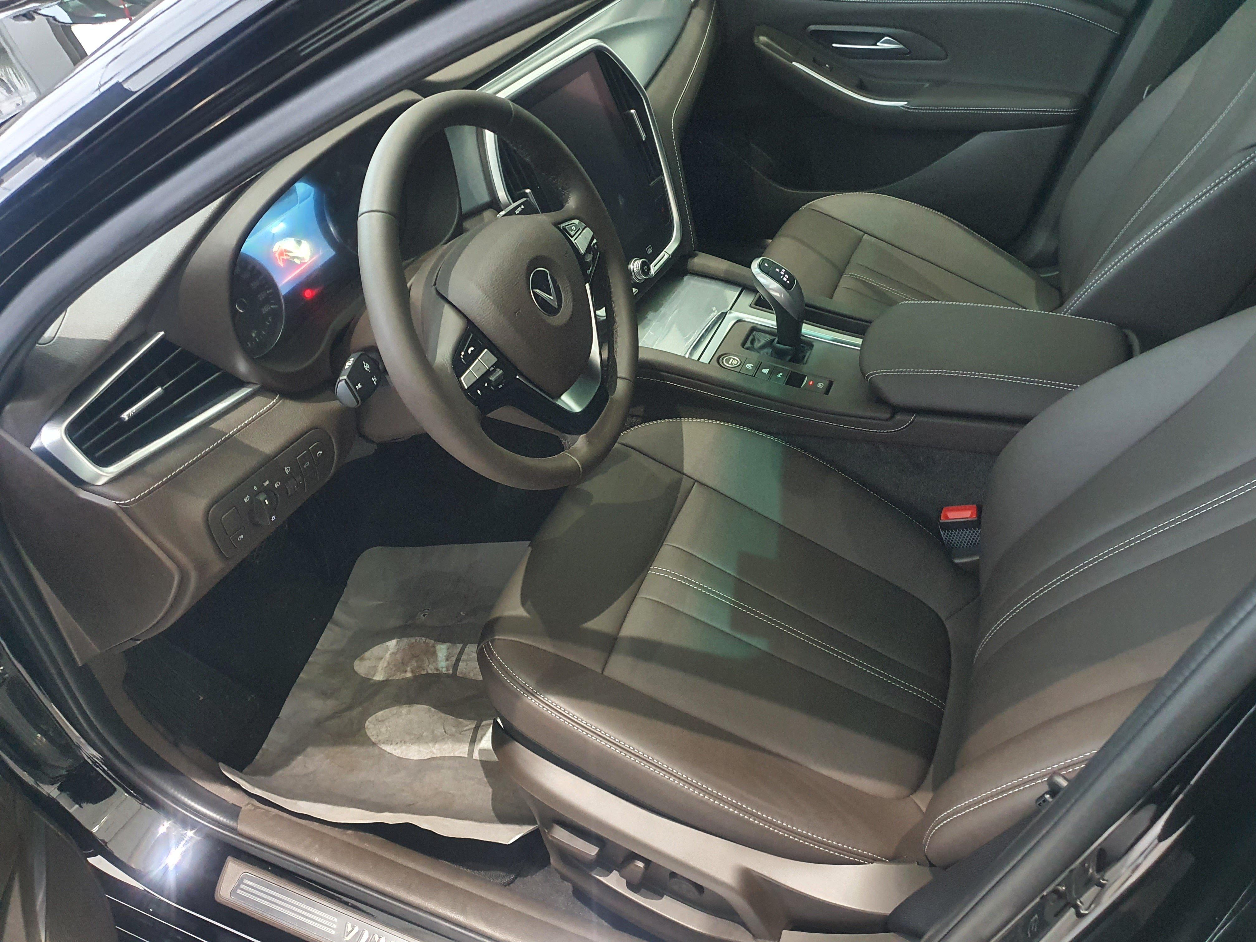 Mua VinFast Lux A 2.0 sau 5 tháng, chủ xe tuyên bố bất ngờ - Ảnh 1.