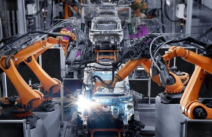 Các hãng ô tô trước nguy cơ thiệt hại trăm tỷ USD vì thiếu chip - Ảnh 1.
