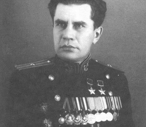 Thủy thủ Liên Xô một mình ép 2.000 lính phát xít Nhật đầu hàng - Ảnh 2.