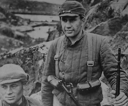 Thủy thủ Liên Xô một mình ép 2.000 lính phát xít Nhật đầu hàng - Ảnh 1.