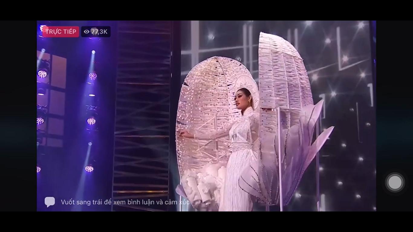 Hoa hậu Khánh Vân gây ấn tượng mạnh với cú xoay nhẹ tựa mây tại Miss Universe - Ảnh 1.